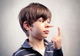 انگیزه فرزندتان از دروغ گفتن را پیدا کنید
