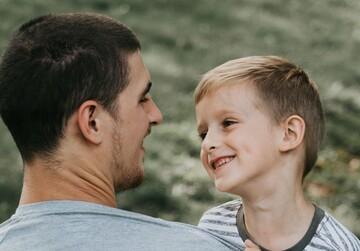 چگونه از کودک خود عذرخواهی کنیم؟